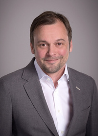 Dr. Sascha Slunder
